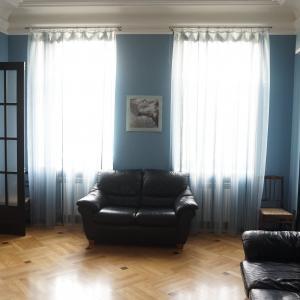 Санкт-Петербург, сдаю на длительный срок 4-х комнатную квартиру