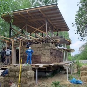Предлагаю работу на строительстве круглого соломенного дома и в Центре экожизни