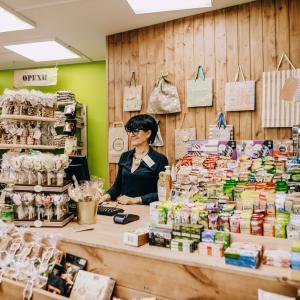 Ищем продавца в лавку здорового питания