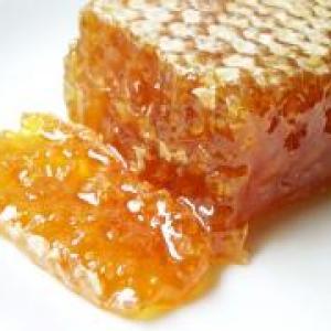 Мёд, соты, перга, забрус :)